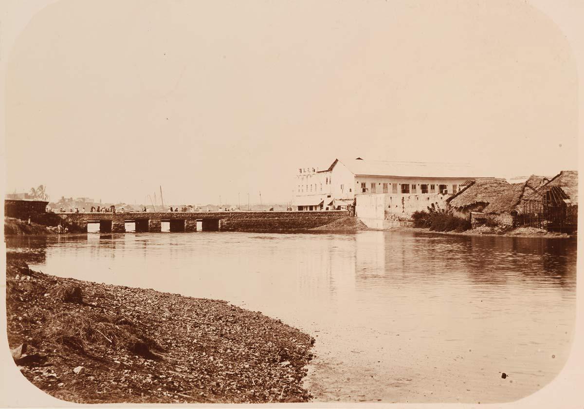 Darajani Bridge over Pwani Ndogo
