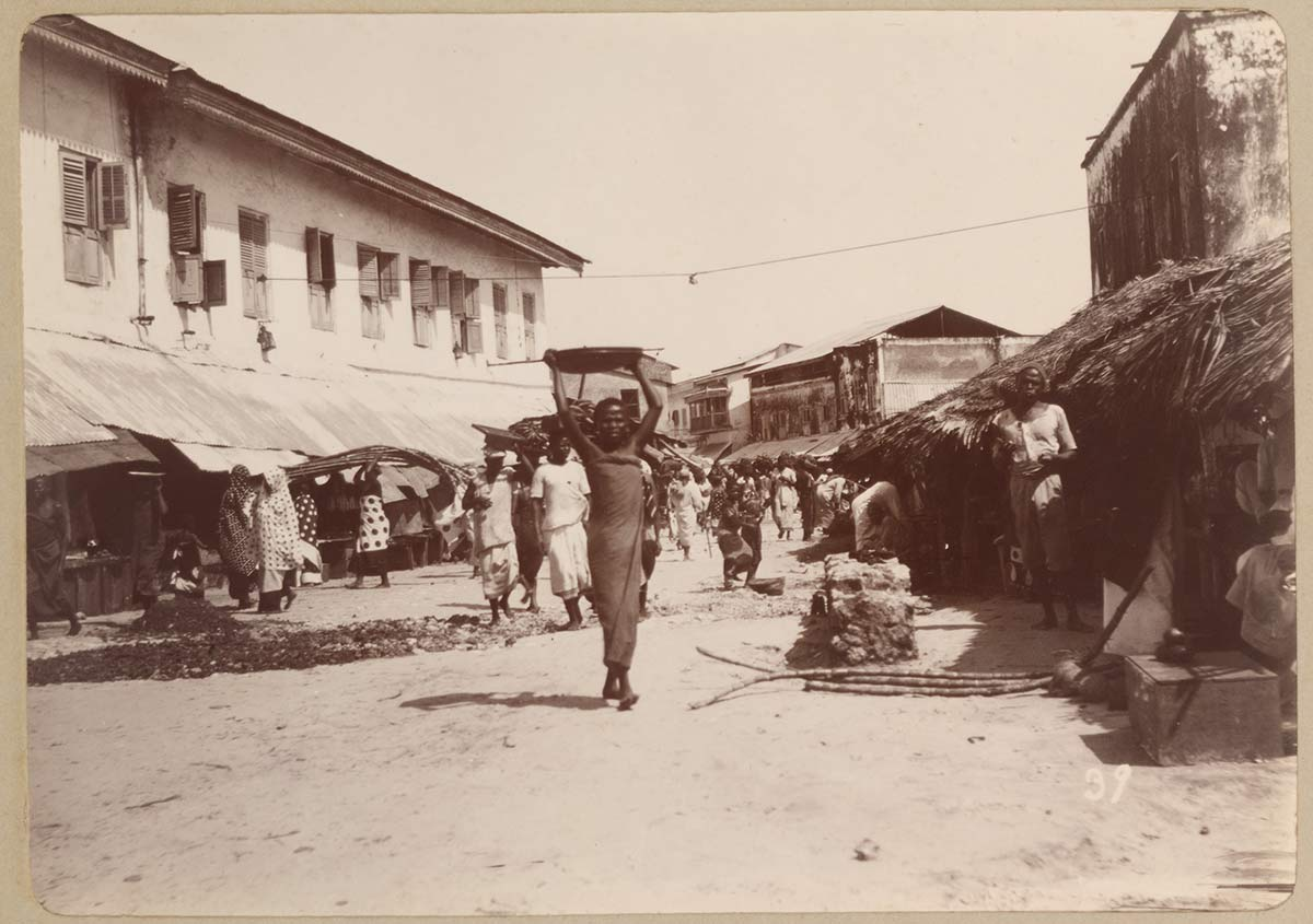 Darajani Street in N'gambo; Native Market